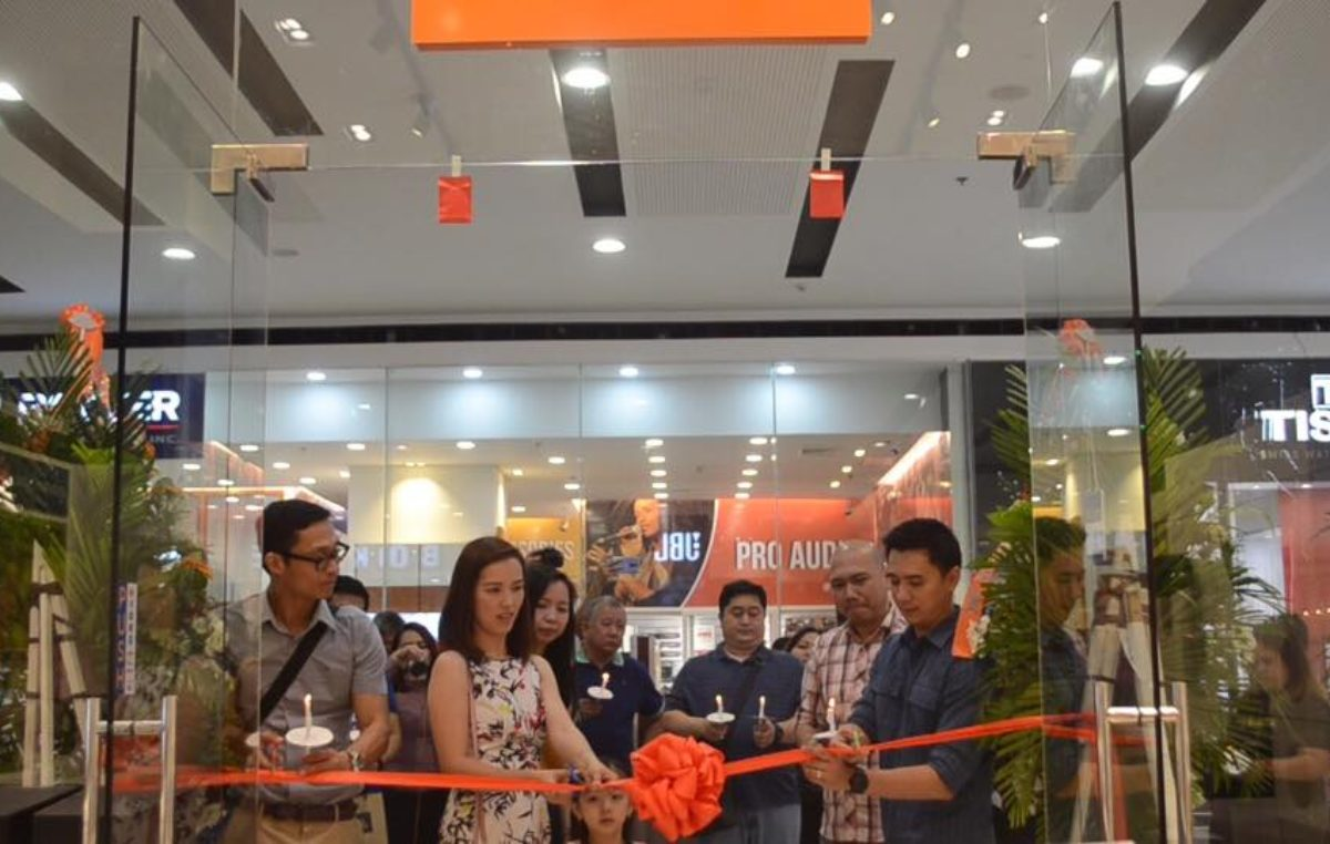 The First JBL Store in Davao City Just Officially Launched